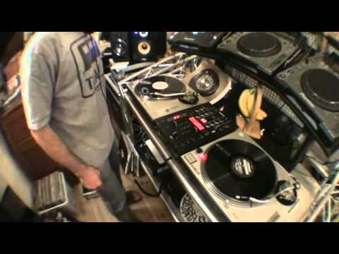 DJ Mixing Tutorial, Tease the Mix and you Tease the crowd