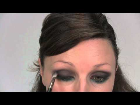 SIMPLE CLASSIC SMOKEY EYE MAKE-UP TUTORIAL