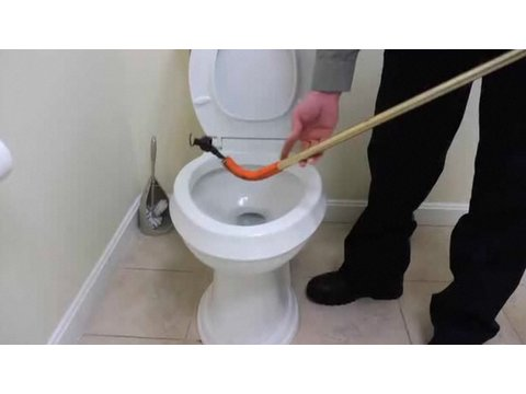 Plumbing How-To: Clear a Clogged Toilet with a Closet Auger