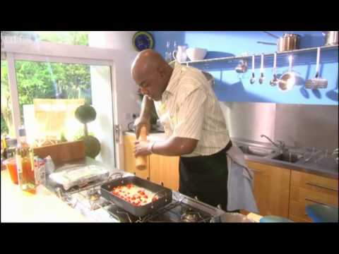Risotto with roasted tomatoes and mussels - Ainsley's Gourmet Express - BBC