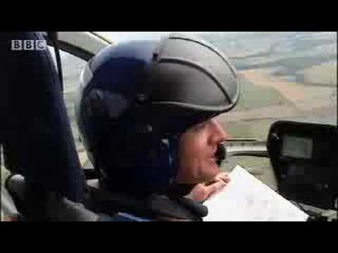 Richard Hammond co-pilots a helicopter - BBC