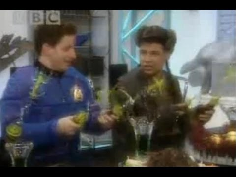 The light switch - Red Dwarf - BBC comedy