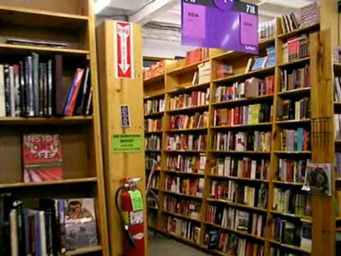 Powells Books, Portland Oregon USA