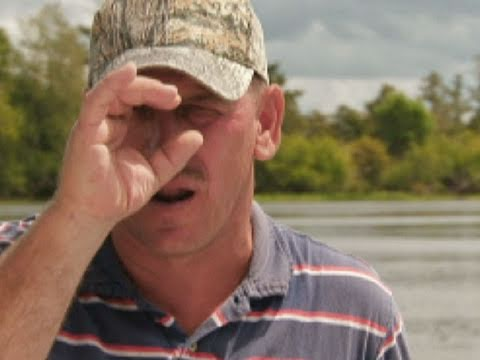 "Swamp People - Troy Tells the Story of ""One-Eye"""