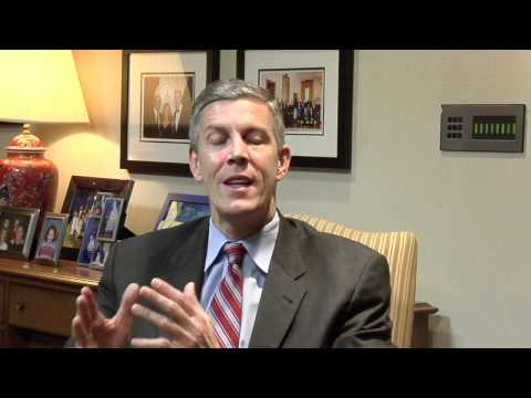 Secretary Arne Duncan answers questions from the Facebook audience for the week of 11-15