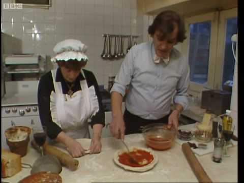 How to make a pizza - Keith Floyd - BBC