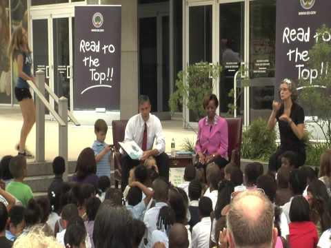 First Grandmother Marian Robinson & Arne Duncan Read to Students
