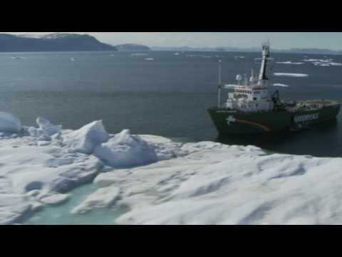 Greenpeace investigates Arctic climate change