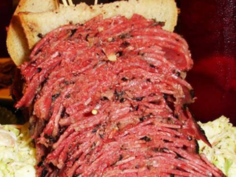 Is the Pastrami Sandwich Killing Jewish Delis?
