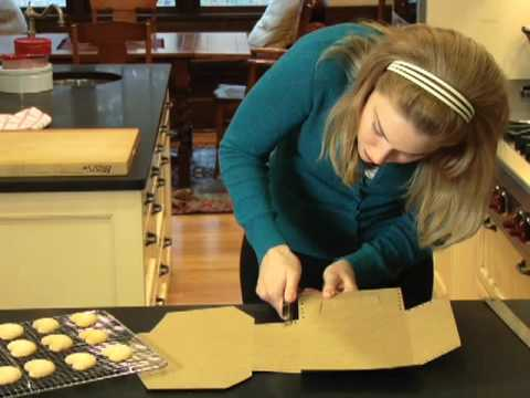 How To Make a Decorative Bakery Box (with Hallmark Magazine)