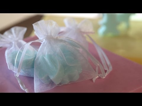 Mini Soap Favors DIY: How to Make Yourself || KIN DIY
