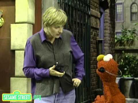 Sesame Street: Ellen DeGeneres And Elmo Take Turns