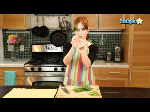 How to Chop Fresh Dill