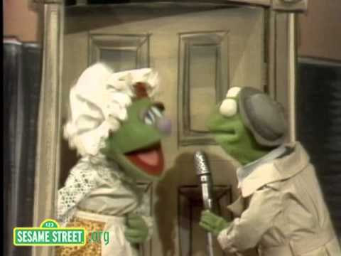 Sesame Street: News Flash - Old Woman Who Lived in the Shoe