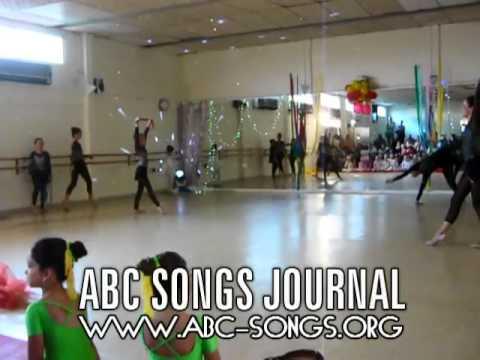 New Twinkle Twinkle Little Star companion video of Chidren dance school show