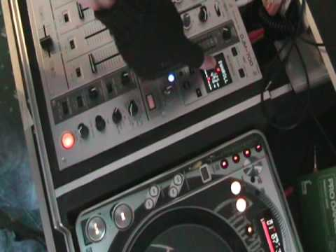 Pioneer DJM-700, Using the roll feature and cdj-800mk2