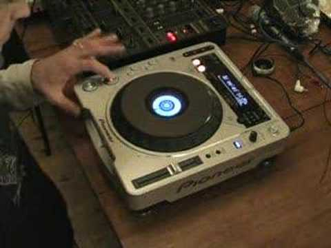 Vinyl mode of the Pioneer CDJ-800mk2