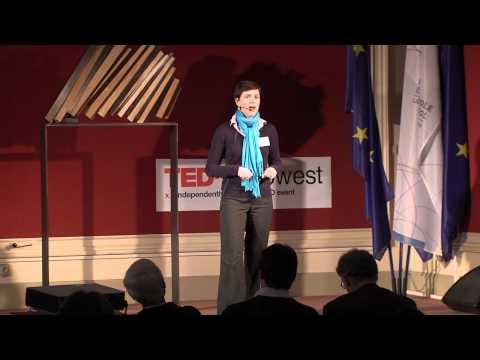 TEDxUHowest - Lies Vanhaelemeesch, Michael Gaillez, Kurt Callewaert - EC's in action