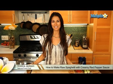How to Make Raw Spaghetti with Creamy Red Pepper Sauce