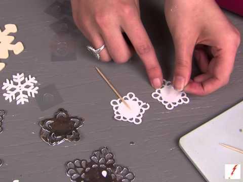 How to Make a Snowflake Cupcake Topper