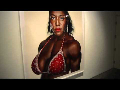 Martin Schoeller Female Bodybuilders at HASTED HUNT KRAEUTLER
