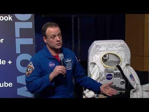 Ron Garan Hosts Tweetup @ NASA Headquarters