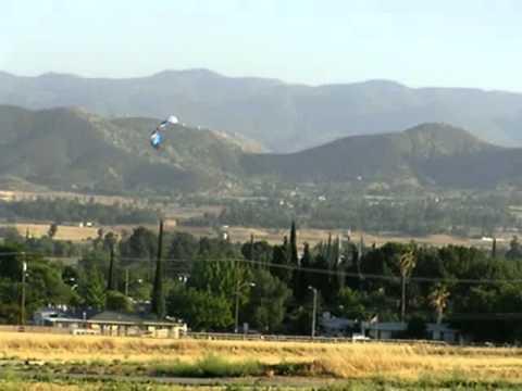 Flying a 2-string Kite