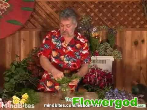 Flower Arrangement: How to Start a Roundy Moundy Floral Design