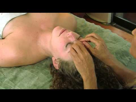 Face & Head Massage Therapy Techniques w/ Oil; How To Give Relaxing Spa Massage