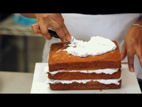 Kids' Birthday Cakes: How to Apply a Crumb Coat