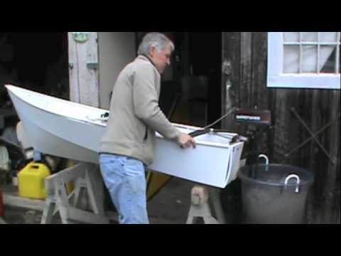 A simple coroplast one sheet motor boat