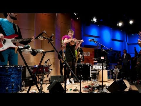 "Studio 360 Live: tUnE-yArDs performs ""You Yes You"""