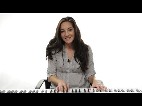 How to Play a C Chord 1st Inversion on Piano