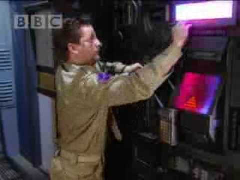 Rimmer vs. dispensing machine - Red Dwarf - BBC comedy