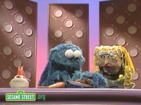 Sesame Street: Murphy Brownbag With Cookie And Murphy Brown