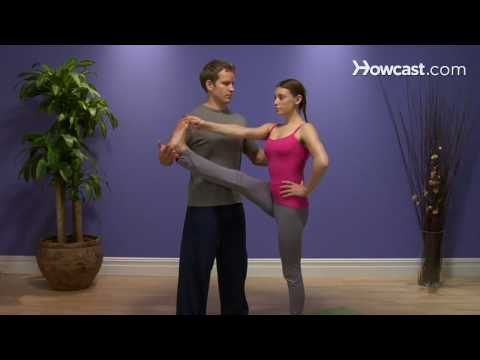 How To Do the Extended Hand To Toe Pose