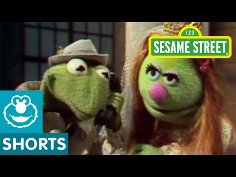 Sesame Street: Kermit and News With Rumplestiltskin