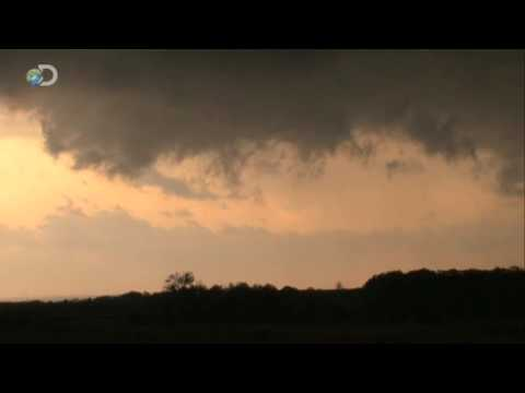 Storm Chasers - Season Premiere - First Tornado