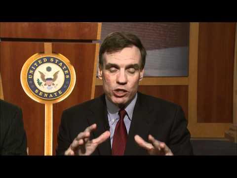 Senate Pair Risks Backlash Seeking Bipartisan Fix for Deficit, Debt Crisis
