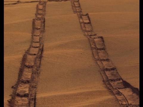 Mars Making Tracks