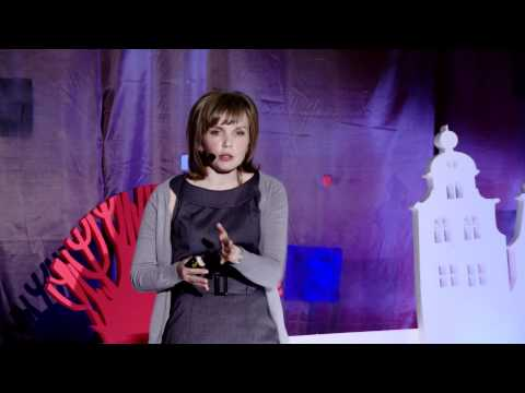 TEDxVorobyovy-Gory - Larisa Pautova - People of the 21st century in the city 2.0