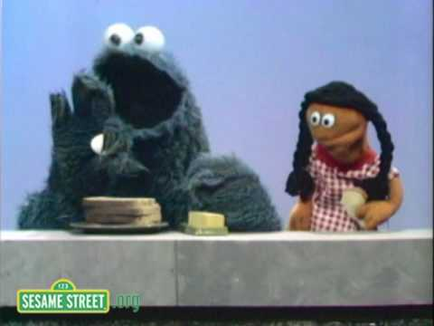 Sesame Street: Cookie Monster Makes A Sandwich