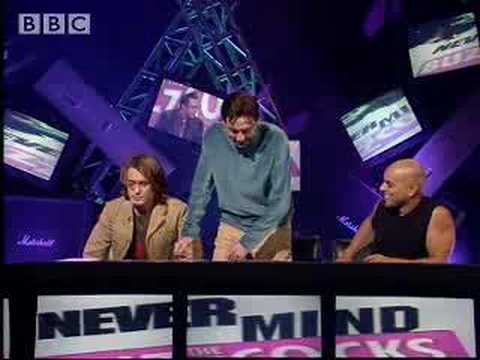 Take That's Mark Owen sings thriller! - BBC