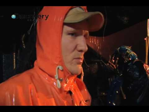 Deadliest Catch Season 5 - Latenight Crew Fight