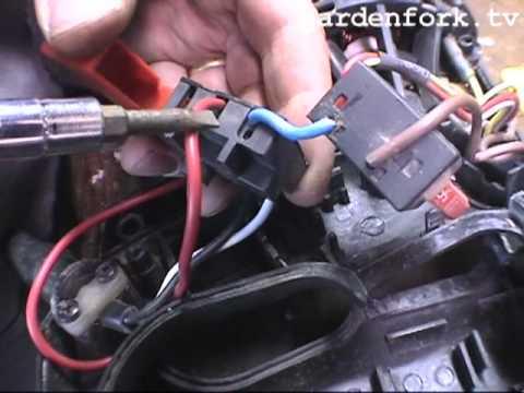 Power Tool Repair, trigger switch : GardenFork.TV