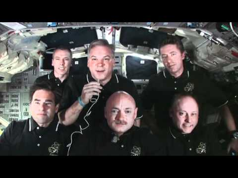 STS-134 Crew Does Final Landing Preps