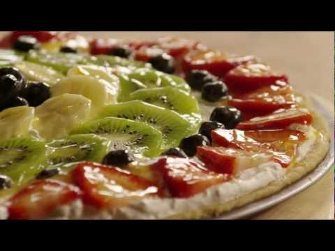 How to Make Cookie Fruit Pizza