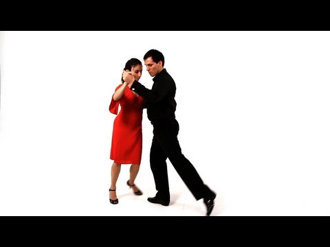 Dancing the Argentine Tango: Enrosques