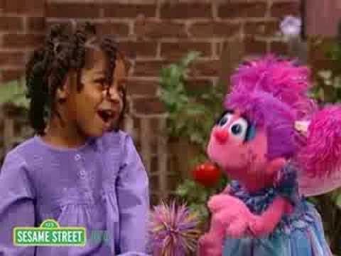 Sesame Street: Kayla & Abby Cadabby Sing The Alphabet