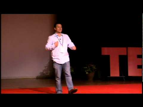 TEDxTraverse City Davvid Kenneth The Science and art of 3D